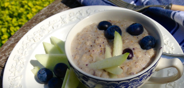 Fruity Porridge With Apples And Blueberries