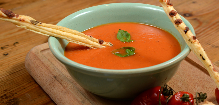Roasted vine tomato And Garlic Soup With Basil