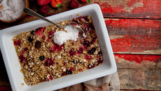 Mixed berry oat crumble recipe