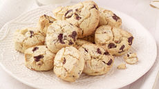 Dark chocolate hazelnut cookies recipe