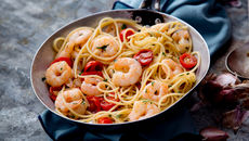 Spaghetti prawns cherry tomatoes recipe