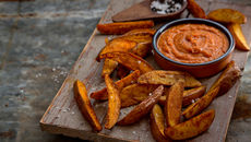 Sweet potato chips curry sauce recipe