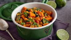 Sweet Potato, Chickpea And Spinach Jalfrezi Curry