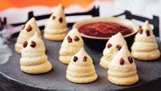 Sharon ghostly meringues