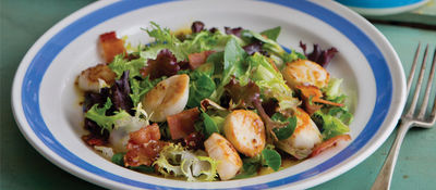 Warm Salad with Scallops, Bacon and Emerald Oils Rapeseed Oil