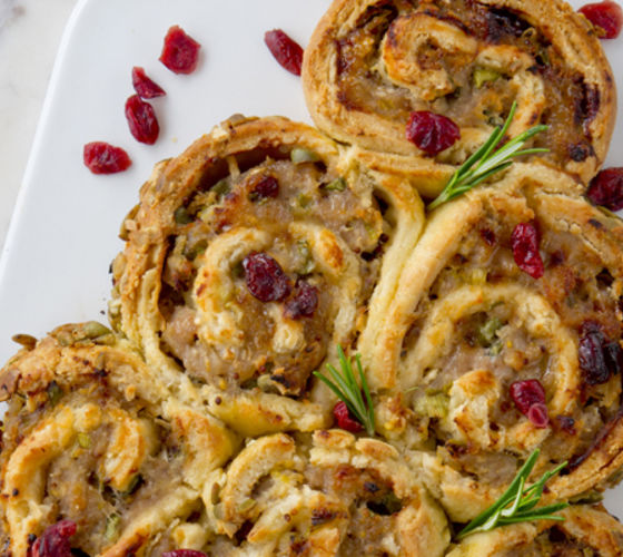 Pull apart christmas tree sausage rolls recipe