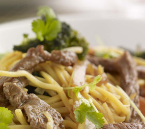 Crispy Chilli Beef with Broccoli and Noodles