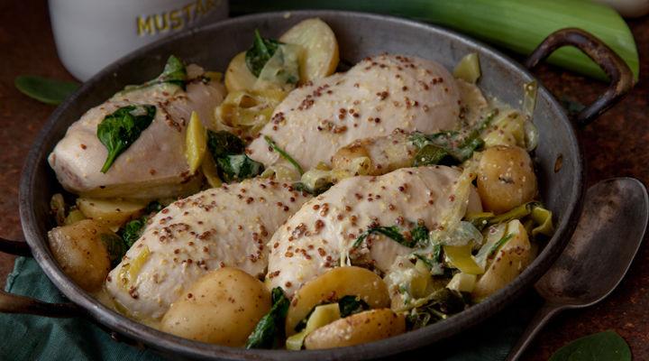 Chicken leek potatoes with creme fraiche sauce supervalu chicken leak potatoes recipe forumfinder Gallery