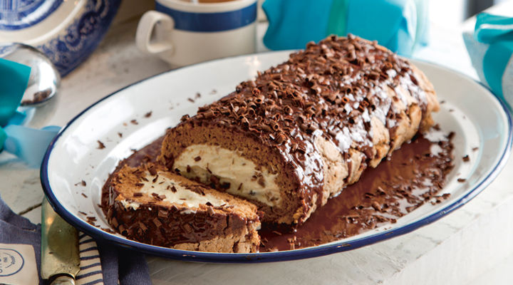 Chocolate roulade christmas cream pudding recipe