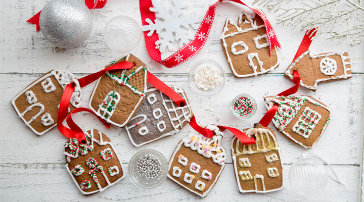 Hanging gingerbread village recipe