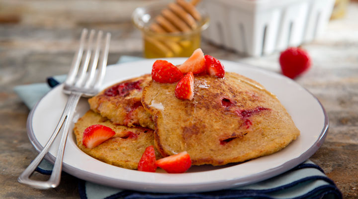 Banana berry pancakes recipe