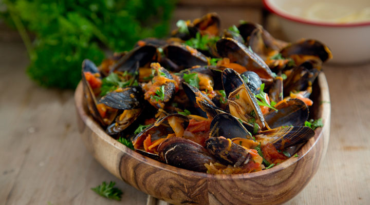 Spicy mussels hot pot recipe