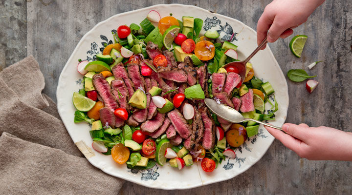 Steak and apricot salad
