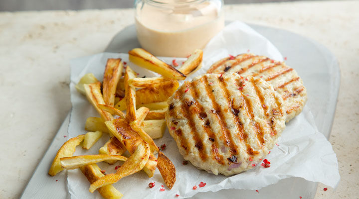 Turkey burger & parsnip chips