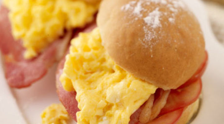 Bacon, Scrambled Egg and Tomato Bap