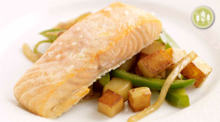 Baked Salmon with Fragrant Green Pepper, Onion and Baby Potatoes