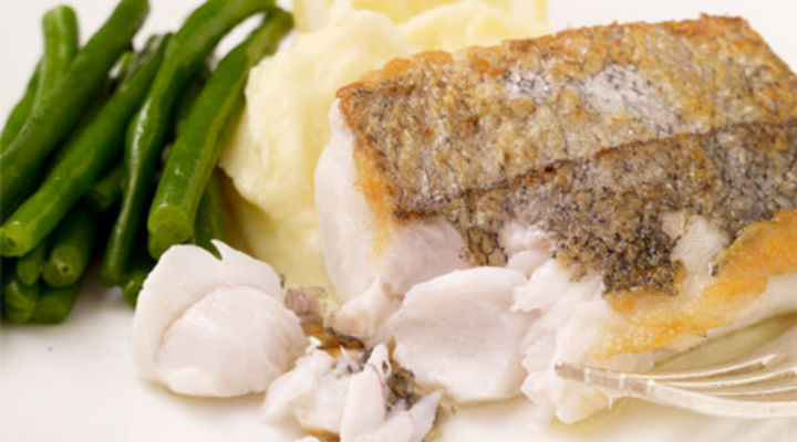 Pan-Fried Hake with Garlic Mash and Green Beans