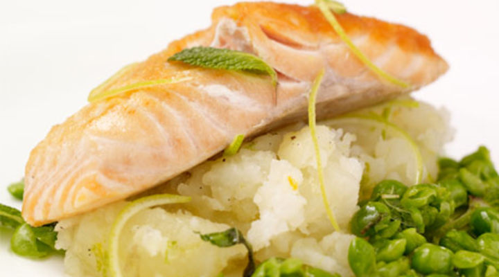 Pan-Fried Salmon with minted Garden Peas and crushed Potatoes