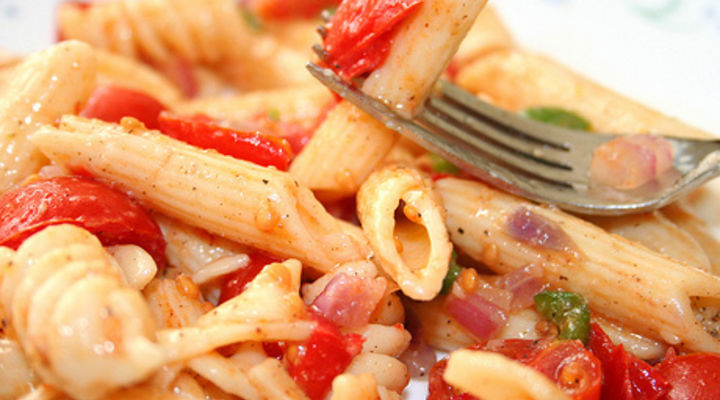 Pasta Salad with Ham, Tomato & Pineapple