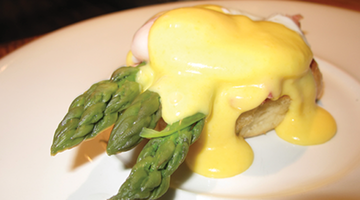 Eggs Benedict with Asparagus Spears