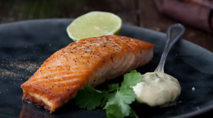 Pan-fried Salmon with Fresh Basil Mayonnaise
