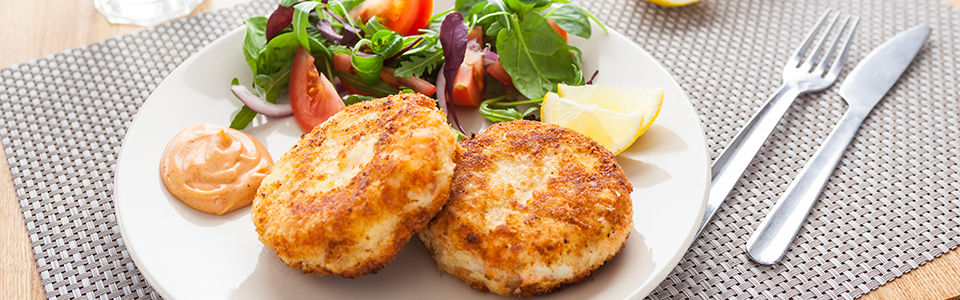 Fish cakes with chilli mayonnaise 960x300px