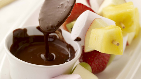 Fruit and Marsmellow Kebabs with Melted Chocolate